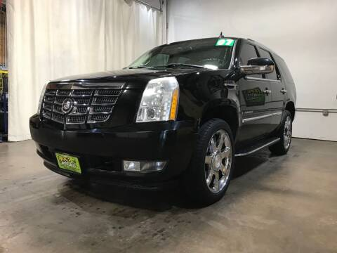 2007 Cadillac Escalade for sale at Frogs Auto Sales in Clinton IA