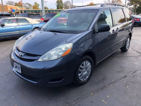 2006 Toyota Sienna for sale at Streff Auto Group in Milwaukee WI