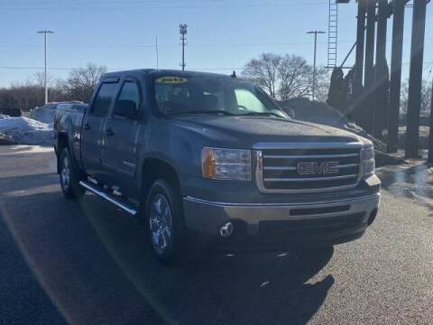 2013 GMC Sierra 1500 for sale at Betten Baker Preowned Center in Twin Lake MI