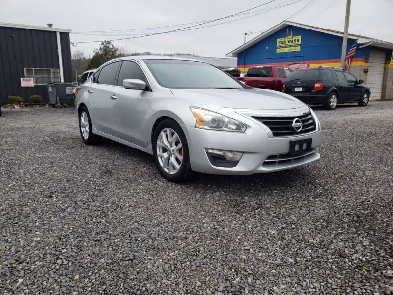 2013 Nissan Altima for sale at Cristians Auto Sales in Athens TN