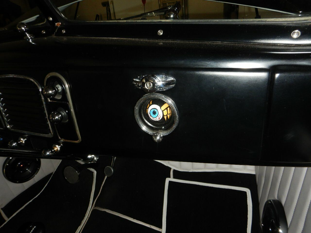 1938 Ford Cabriolet 56