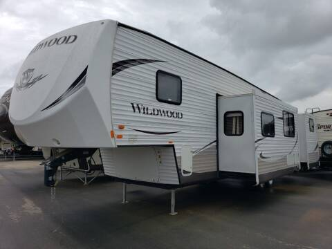 2014 Forest River wildwood 33BHOK for sale at Ultimate RV in White Settlement TX
