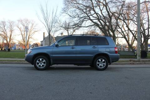 2006 Toyota Highlander for sale at Lexington Auto Club in Clifton NJ