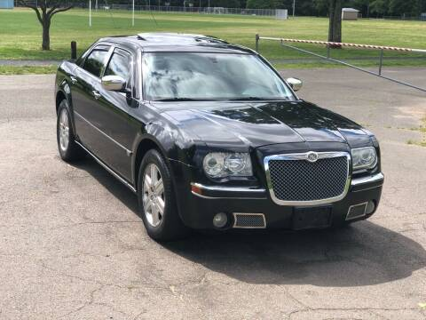 2005 Chrysler 300 for sale at Choice Motor Car in Plainville CT