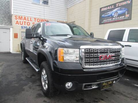 2013 GMC Sierra 3500HD for sale at Small Town Auto Sales in Hazleton PA