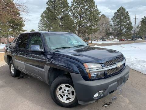 2005 Chevrolet Avalanche for sale at CarDen in Denver CO