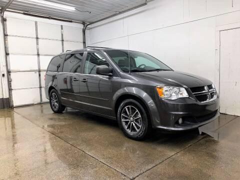 2017 Dodge Grand Caravan for sale at PARKWAY AUTO in Hudsonville MI