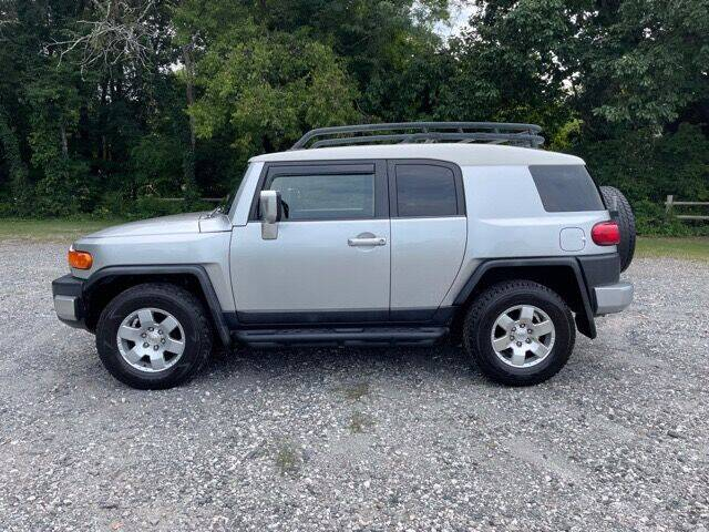 2007 Toyota FJ Cruiser for sale at Mater's Motors in Stanley NC