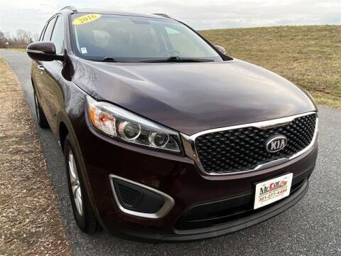 2016 Kia Sorento for sale at Mr. Car City in Brentwood MD