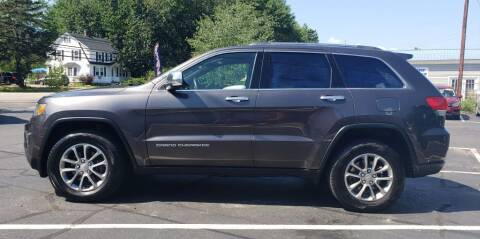 2016 Jeep Grand Cherokee for sale at Healey Auto in Rochester NH