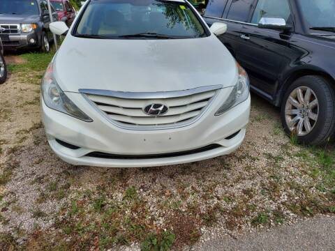 2013 Hyundai Sonata for sale at Car Connection in Yorkville IL