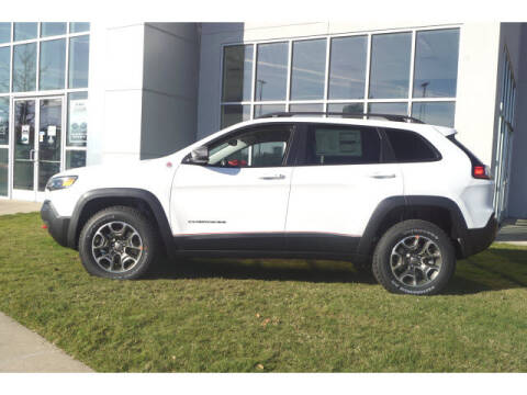 2021 Jeep Cherokee for sale at BLACKBURN MOTOR CO in Vicksburg MS