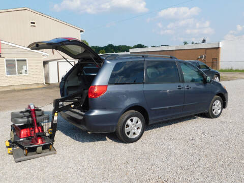 2006 Toyota Sienna for sale at Macrocar Sales Inc in Akron OH