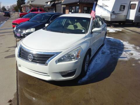 2015 Nissan Altima for sale at Armando's Auto in Fort Lupton CO