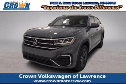 2020 Volkswagen Atlas Cross Sport for sale at Crown Automotive of Lawrence Kansas in Lawrence KS