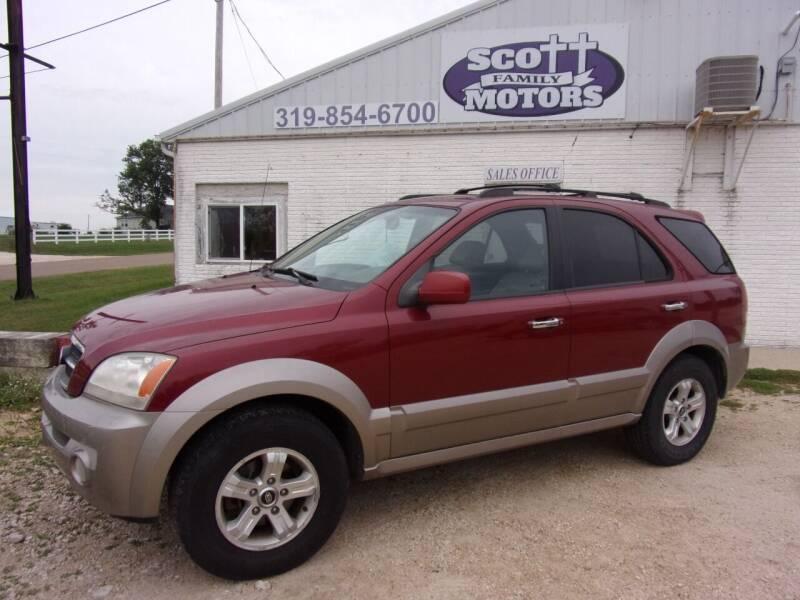 2005 Kia Sorento for sale at SCOTT FAMILY MOTORS in Springville IA