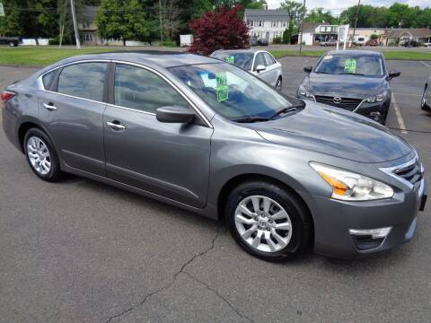 2014 Nissan Altima for sale at BETTER BUYS AUTO INC in East Windsor CT