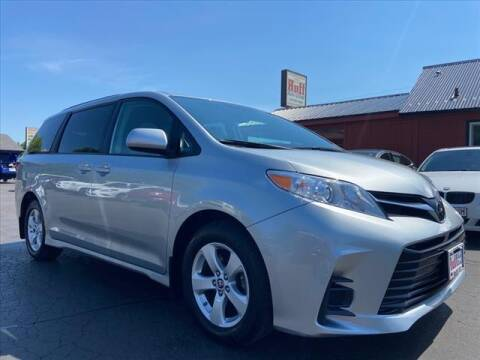 2020 Toyota Sienna for sale at HUFF AUTO GROUP in Jackson MI