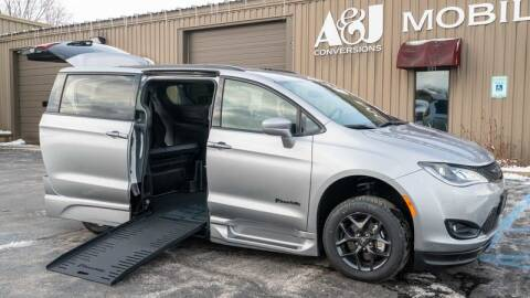 2020 Chrysler Pacifica for sale at A&J Mobility in Valders WI