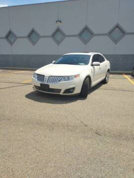 2009 Lincoln MKS for sale at Double Take Auto Sales LLC in Dayton OH