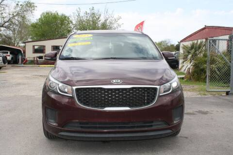 2015 Kia Sedona for sale at Fabela's Auto Sales Inc. in Dickinson TX