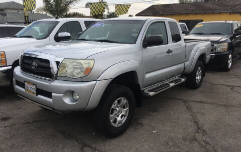 2006 Toyota Tacoma for sale at JR'S AUTO SALES in Pacoima CA