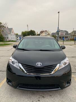 2011 Toyota Sienna for sale at Sphinx Auto Sales LLC in Milwaukee WI