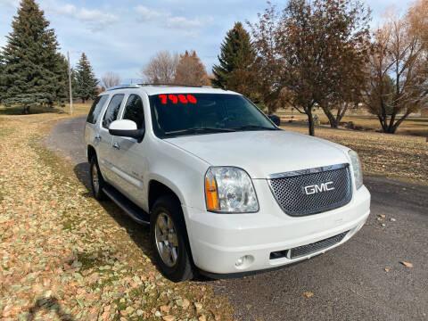 2007 GMC Yukon for sale at BELOW BOOK AUTO SALES in Idaho Falls ID