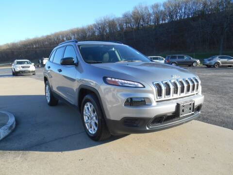 2017 Jeep Cherokee for sale at Maczuk Automotive Group in Hermann MO