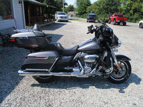 2017 Harley-Davidson ULTRA LIMITED for sale at PENDLETON PIKE AUTO SALES in Ingalls IN