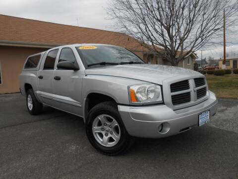 2006 Dodge Dakota for sale at McKenna Motors in Union Gap WA