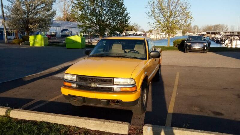 2002 Chevrolet S-10 for sale at Heartbeat Used Cars & Trucks in Harrison Twp MI