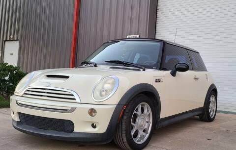 2006 MINI Cooper for sale at Mr Cars LLC in Houston TX