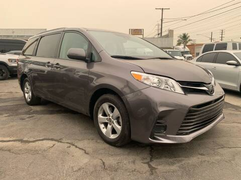 2020 Toyota Sienna for sale at Best Buy Quality Cars in Bellflower CA