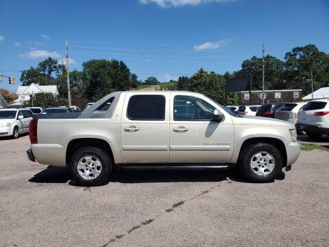 2007 Chevrolet Avalanche for sale at RIVERSIDE AUTO SALES in Sioux City IA