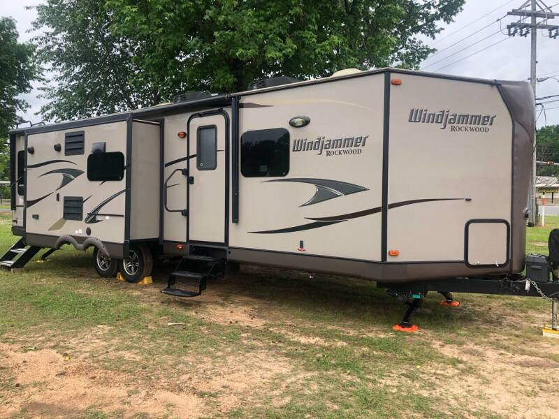 2013 FOR SALE!!! Windjammer 3025W for sale at S & R RV Sales & Rentals, LLC in Marshall TX