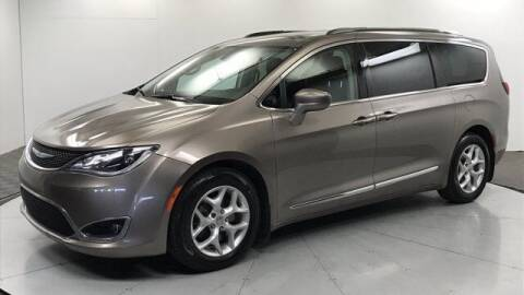 2017 Chrysler Pacifica for sale at Stephen Wade Pre-Owned Supercenter in Saint George UT