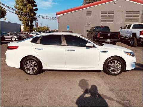 2016 Kia Optima for sale at Carros Usados Fresno in Clovis CA