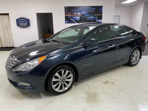 2013 Hyundai Sonata for sale at Used Car Outlet in Bloomington IL