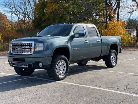 2011 GMC Sierra 2500HD for sale at Hillcrest Motors in Derry NH