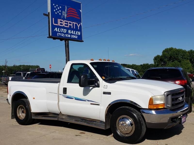 2000 Ford F-350 Super Duty for sale at Liberty Auto Sales in Merrill IA