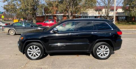 2017 Jeep Grand Cherokee for sale at Mulder Auto Tire and Lube in Orange City IA