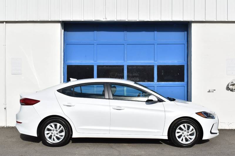 2017 Hyundai Elantra SE 4dr Sedan 6M (US) full