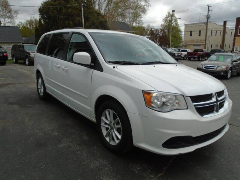 2016 Dodge Grand Caravan for sale at NORTHLAND AUTO SALES in Dale WI
