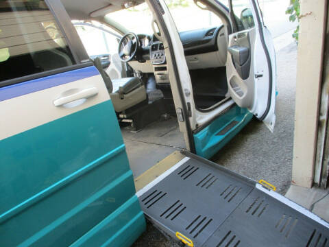 2014 Dodge Grand Caravan for sale at BT Mobility LLC in Wrightstown NJ