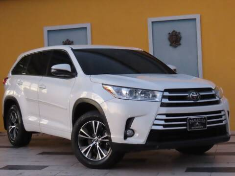 2017 Toyota Highlander for sale at Paradise Motor Sports LLC in Lexington KY