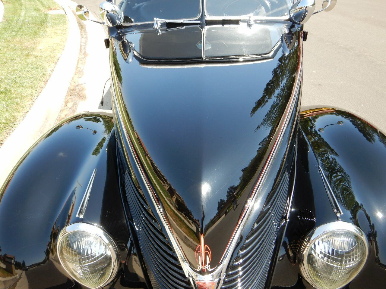 1938 Ford Cabriolet 10