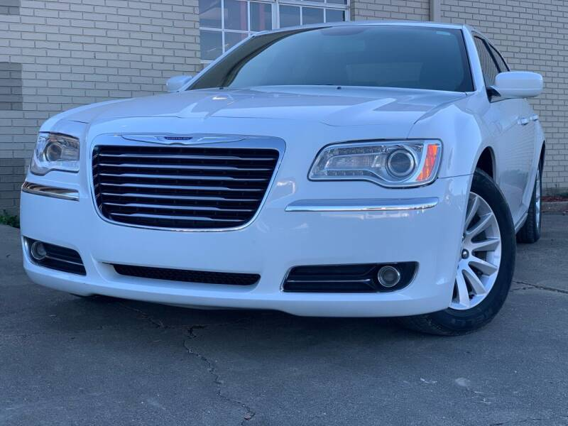 2014 Chrysler 300 for sale at Quality Auto of Collins in Collins MS