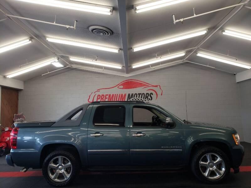 2010 Chevrolet Avalanche for sale at Premium Motors in Villa Park IL