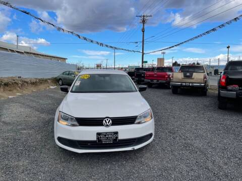 2014 Volkswagen Jetta for sale at Velascos Used Car Sales in Hermiston OR
